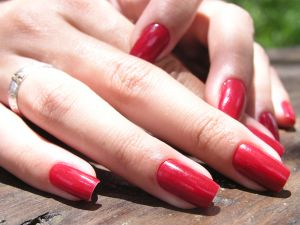 girl-with-long-red-nails-961191-m