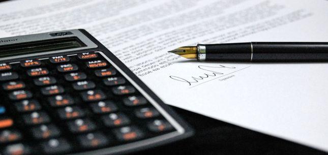 Podposywanie umowy z prawnikiem